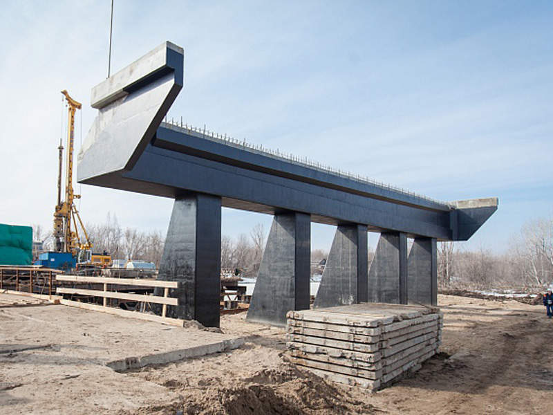 The bridge will be supported by 15 piers. Image courtesy of PJSC Stroytransgaz.