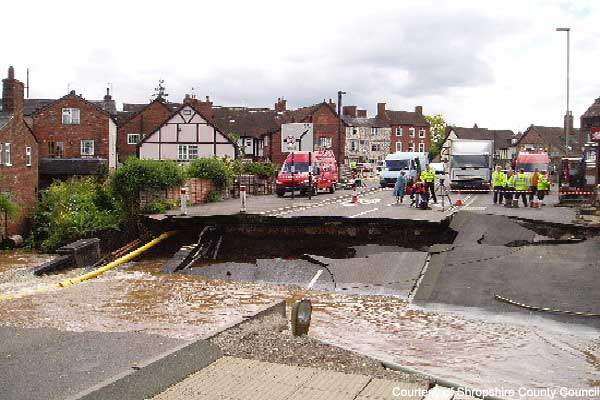 After the original Burway Bridge collapsed on 27 June 2007, the main route into the town of Ludlow was disrupted.