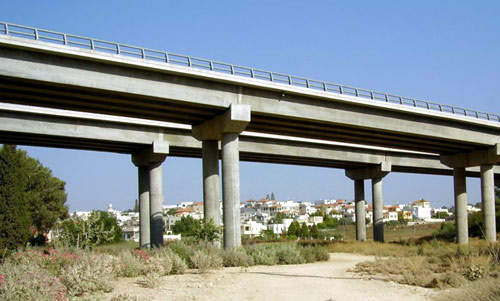The Cross-Israel Highway has a total of 14 interchanges, 94 bridges and 50 aqueducts.
