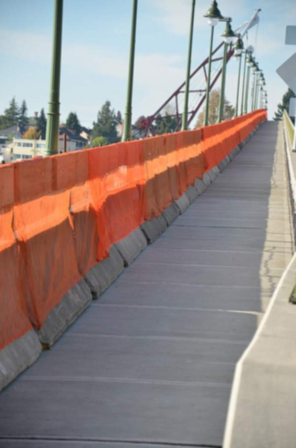 There is a 10ft-wide sidewalk for pedestrians on the south side of the Manette Bridge. Image courtesy of WSDOT (Washington State Dept of Transportation).