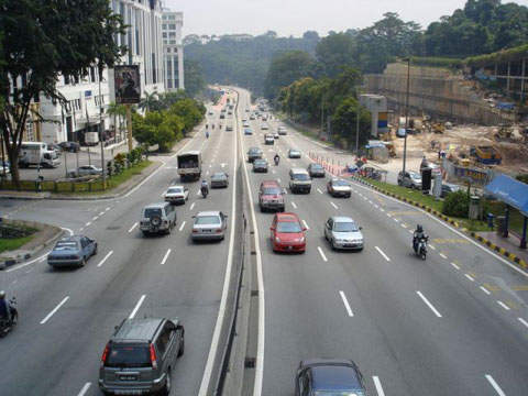The Senai Desaru Expressway will have four lanes each way but will likely be as busy as the Sprint Highway in Malaysia.