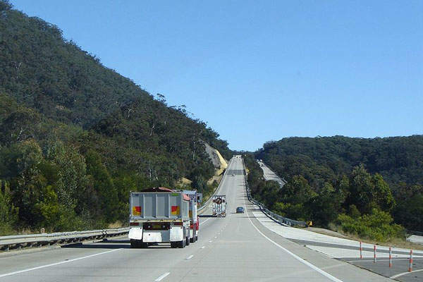 Hume Highway passes through Southern Highlands. Image courtesy of Alexander Else.