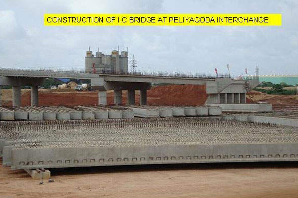 The four-lane structure of the expressway runs from Peliyagoda to Katunayake. Image courtesy of Ministry of Ports & Highways.
