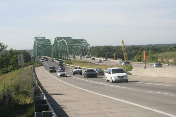 The left side bridge was demolished in early-2016. Image courtesy of Missouri Department of Transportation.