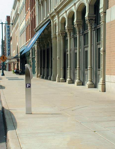 Reino multi-space meters have been installed primarily for motorcycle parking spaces. Approximately 1,400 single-space meters were replaced with 225 multi-space meters in an attempt to reduce sidewalk clutter and improve the aesthetics of the surrounding