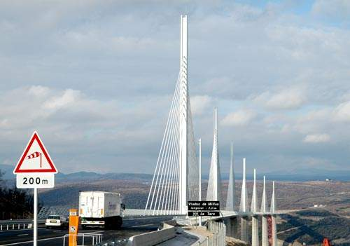 Millau Viaduct slight curve