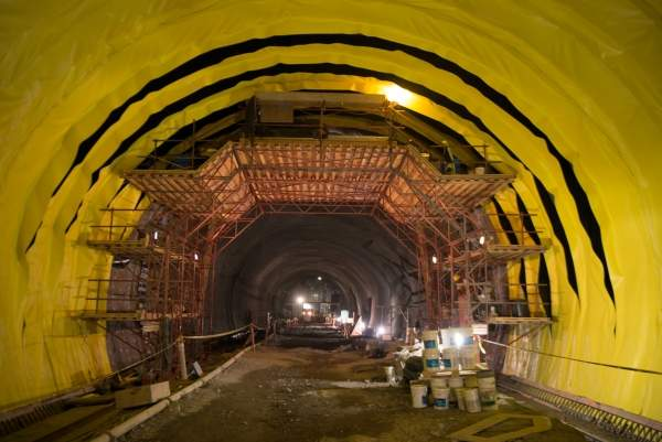 The Caldecott Tunnel Fourth Bore during construction. Image courtesy of Karl Nielsen, MTC.