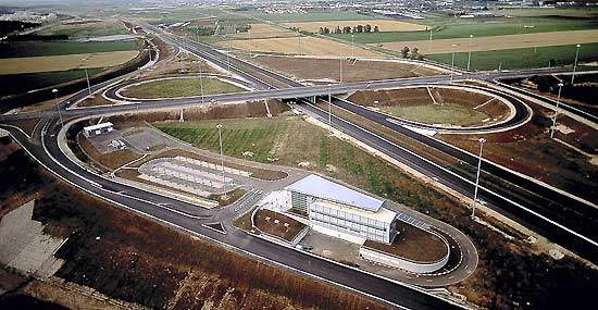 Nachshonim Interchange: the section from Nesharim to Eyal (43km) will channel traffic from the Nachshonim interchange through a route that bypasses Gush Dan.