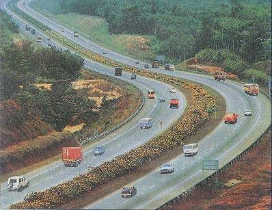 The Mumbai-Pune Expressway has three lanes in each direction.