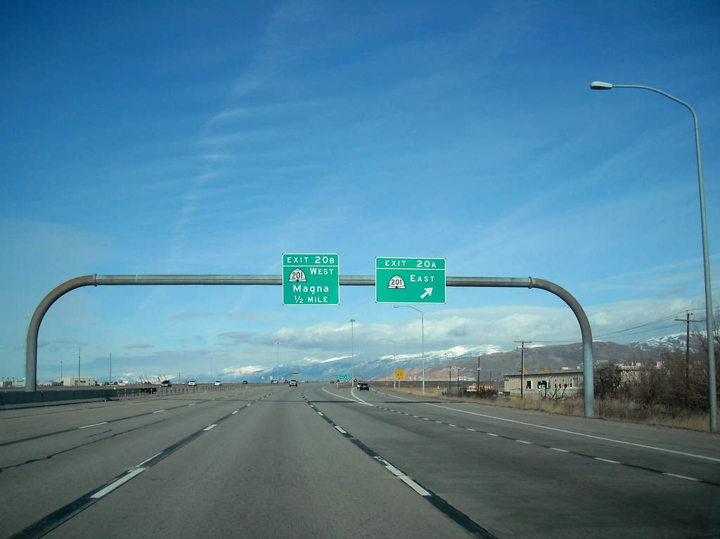 West side northbound I-215. Credit Garret.