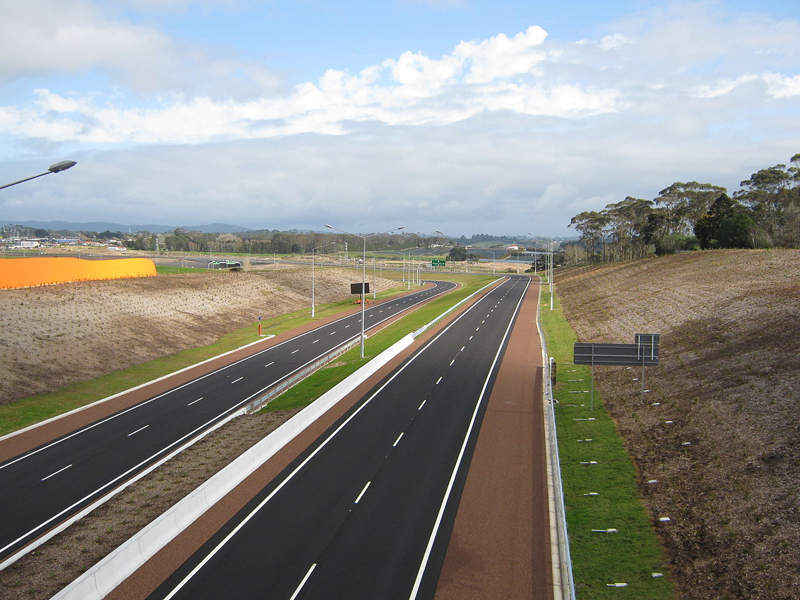 The motorway between Upper Harbour Highway and Greville Road was widened under the NCI project.  Image: courtesy of Jayswipe via Wikipedia.