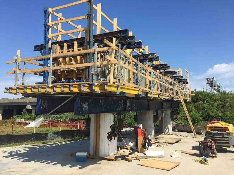 The bridge piers will carry the new collector-distributor lanes. Image courtesy of VDOT.