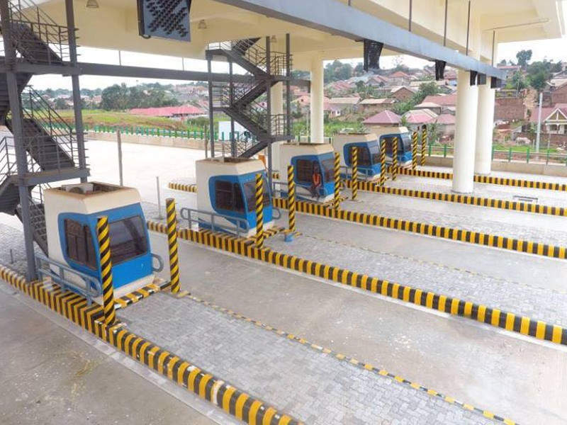 Three toll plazas have been built on the Kampala-Entebbe Expressway. Image courtesy of Ministry of Works & Transport.