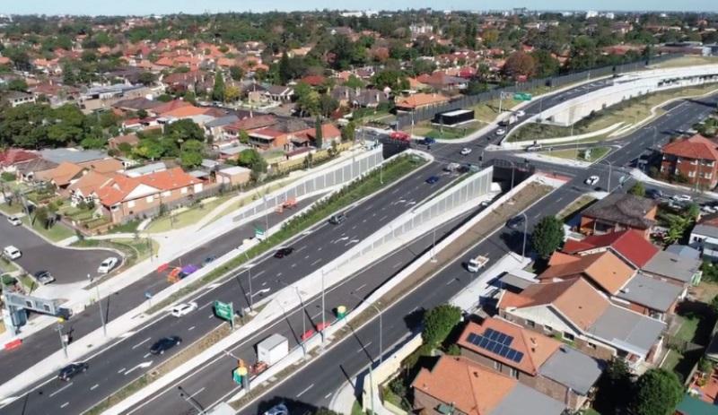 M4 tunnels