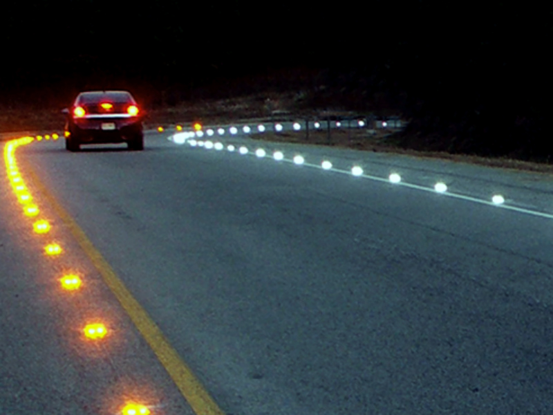 In-pavement lane lights