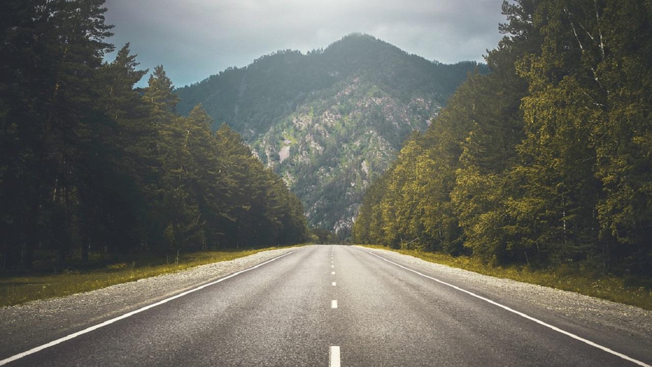 A 750m-long Renfrew north development road will connect the bridge to the AMIDS. Credit: Mindscape studio.
