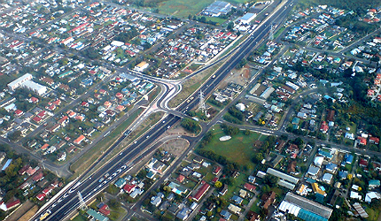 The expressway is maintained by the New Zealand Transport Agency (NZTA)