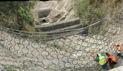 Dynamic Debris Flow Barriers
